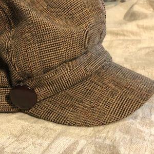 Nine West hat.